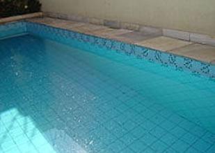 Refração da luz na piscina