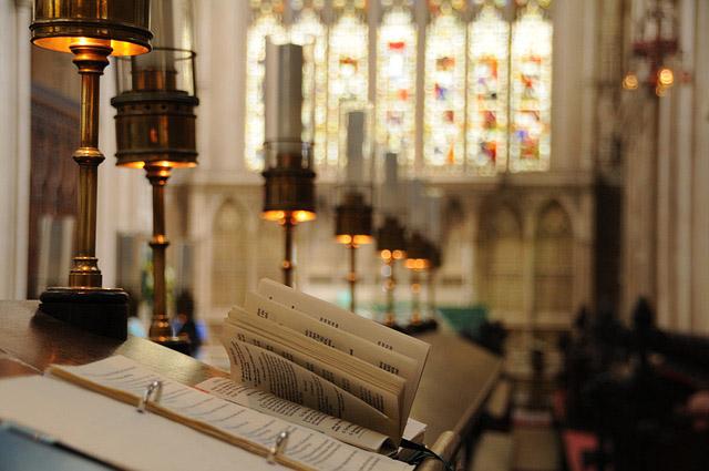 A reforma anglicana foi motivada pelo negação do divórcio do rei Henrique VIII e Catarina de Aragão