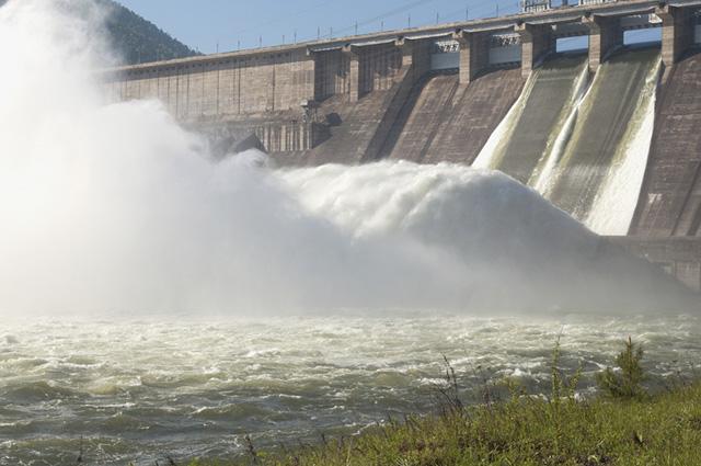 A energia hidráulica se utiliza da força das águas par a geração de energia