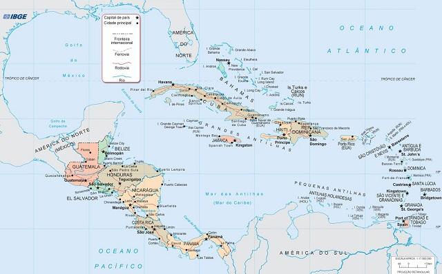 A América Central possui relevo montanhoso, no qual há intensa atividade geológica