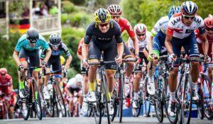 GEELONG, AUSTRALIA - JANUARY 31: Riders attack the Montpellier Climb during the Men's Elite Road Race