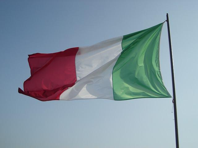 Bolsista brasileira é a primeira premiada em trabalho na Itália