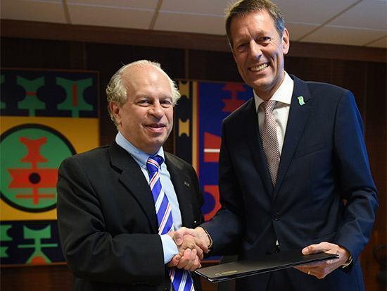 Ministro assina acordos para cooperação em educação profissional com governo da Alemanha
