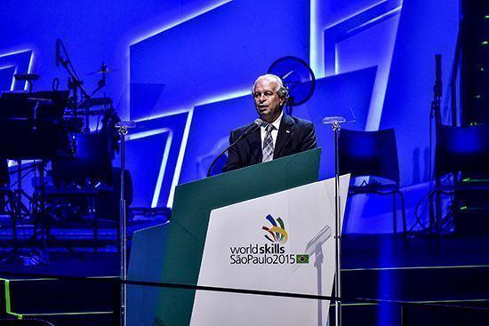 Ministro diz que educação profissional é para o Brasil de hoje e do ...