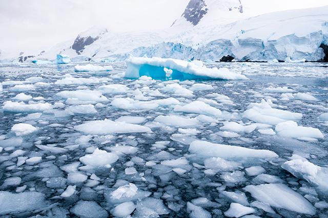 Derretimento de calotas de gelo na Groenlândia