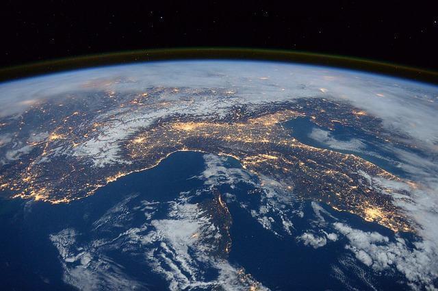 Estudo aponta que a Terra é, na verdade, 'dois planetas' - Estudo ...