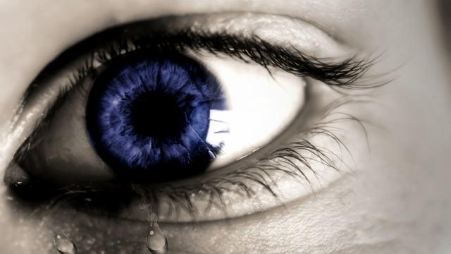 Veja como são as lágrimas vistas por um microscópio - Estudo Prático