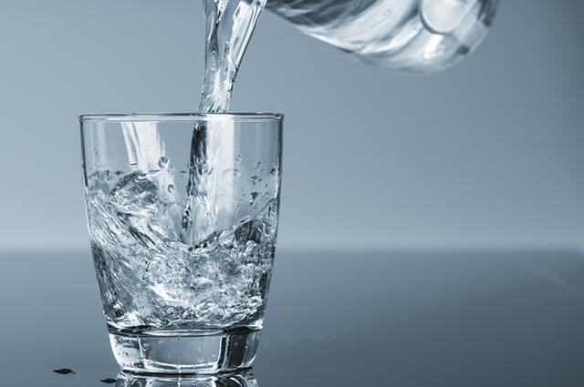 A água pode ser potável ou não, pode passar por tratamento ou por adição de componentes