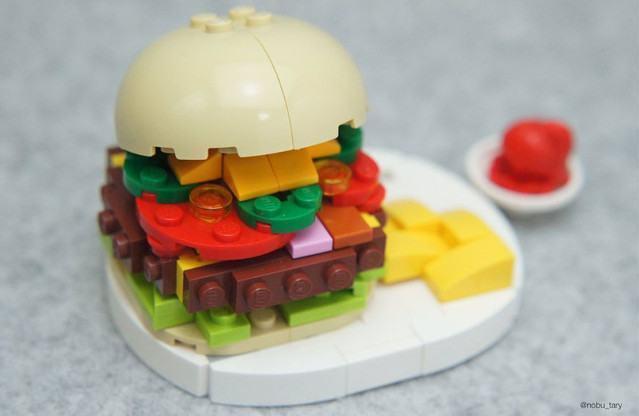 hamburguer-feito-com-lego