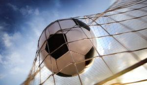 imagem-de-bola-de-futebol-em-rede__