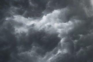 Entenda o porquê das nuvens de chuva serem cinza