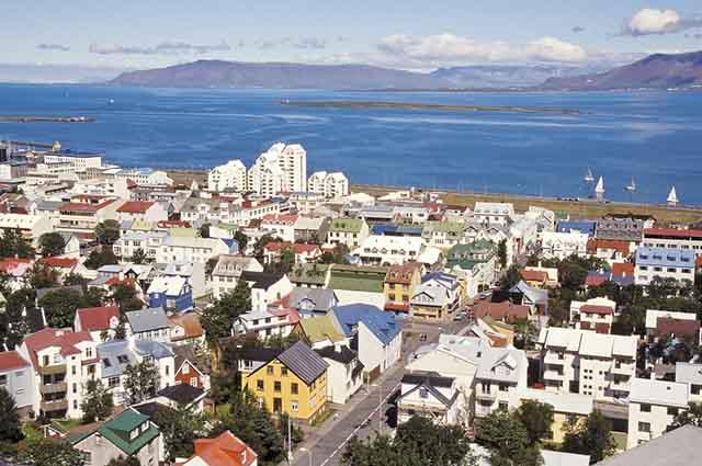 A Islândia se destaca por ser um país com baixíssima densidade demográfica