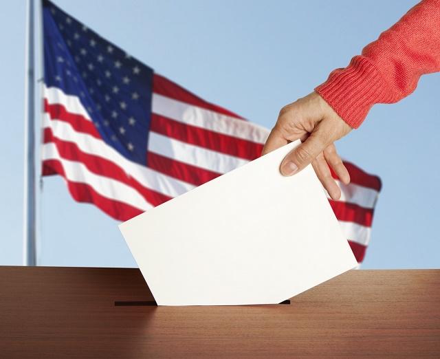 Pessoa votando nos EUA