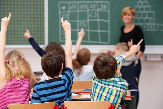 Como posso conseguir bolsa de estudos em escola particular?