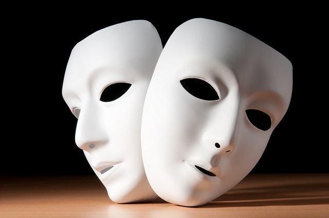 Aprenda as origens e o significado das máscaras gregas