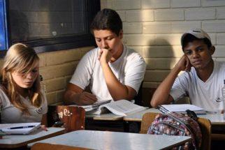 Jovens não sentem-se atraídos pelo ensino médio, diz pesquisa