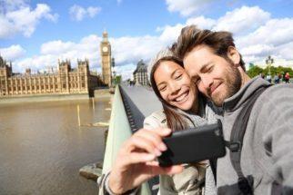 Mais da metade dos viajantes brasileiros postam em rede sociais