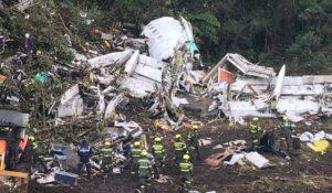tragedia-o-acidente-com-aviao-da-chapecoense-e-as-dezenas-de-mortos