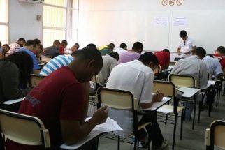 Inferior ao de brancos, percentual de negros em universidades dobra