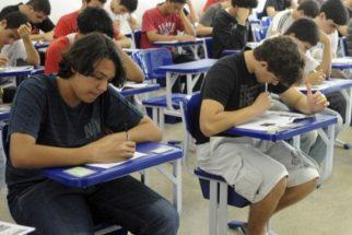 Brasil: Quase 50% dos alunos tem desempenho menor que o adequado