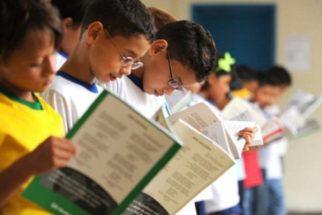 Programa oferta 250 mil vagas para alfabetização de jovens e adultos