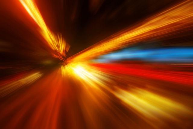 A velocidade da luz pode não ser tão constante quanto achamos que seja. Entenda