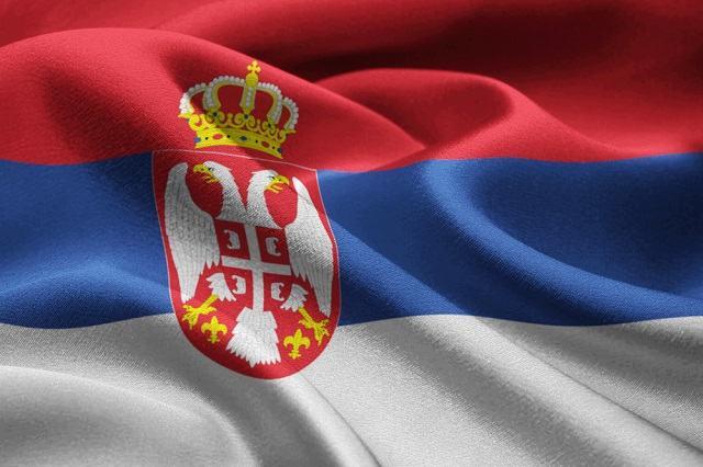 O significado da bandeira da Sérvia tem relação com sua localização e influência política