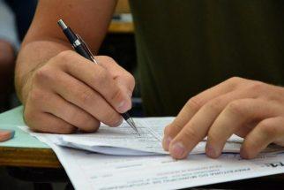 Iniciado exame de proficiência de português, que segue até o dia 25