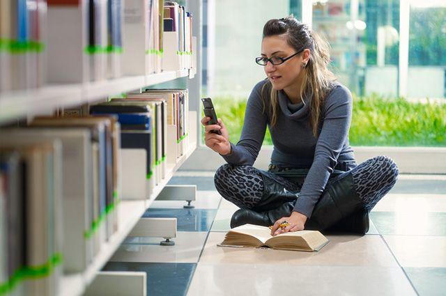 Aprenda como estudar pelo celular baixando aplicativos