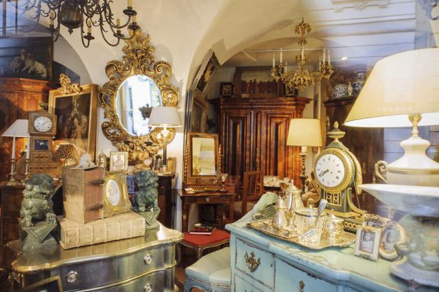 Antiquário é o nome dado para estabelecimentos focados no comércio de objetos antigos