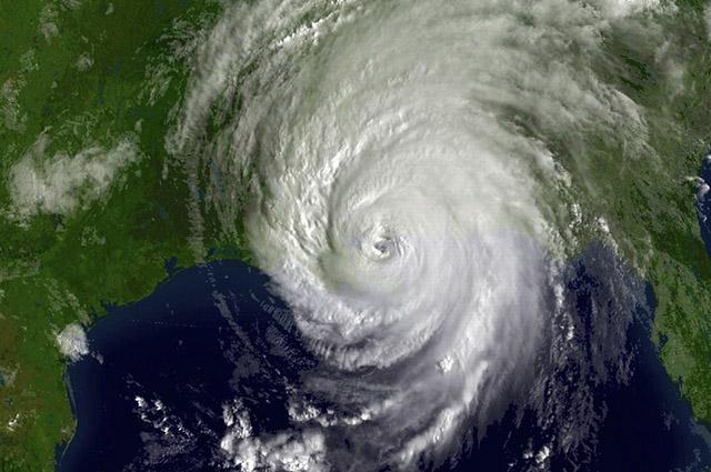 Dependendo de sua intensidade, o furacão deixa rastro de destruição
