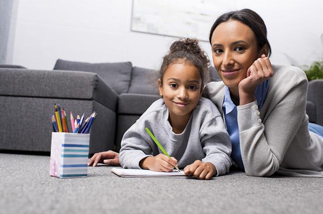 Os benefícios de desenhar vão além de estimular o lúdico das crianças