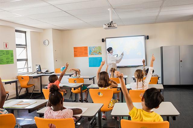 Ideia do ensino da ideologia de gênero em escolas conta com posicionamentos religiosos