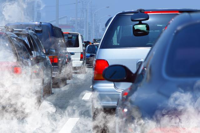 A quantidade de poluição que os carros jogam na atmosfera são capazes de causar câncer