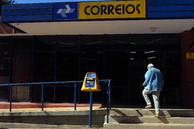 Os Correios foram criados praticamente junto ao Brasil-Colônia