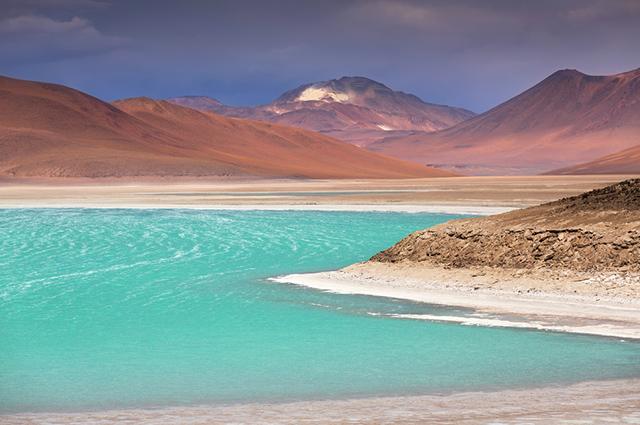 O Green Lagoon, na Bolívia, é um dos lagos mais bonitos do mundo