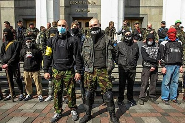 Ligadas às mais diversas causas, as milícias existem em várias partes do mundo