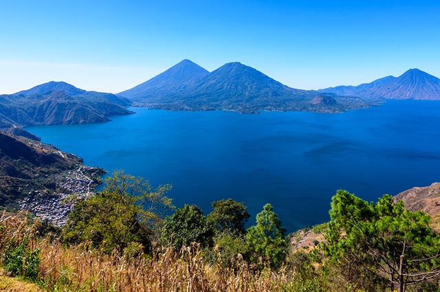 O Lago Atitlán, na Guatemala, é um dos lagos mais bonitos do mundo