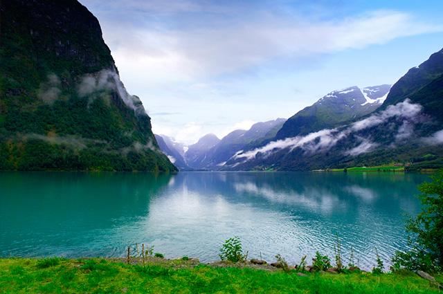 O Lago Sognefjord, na Noruega, é um dos lagos mais bonitos do mundo