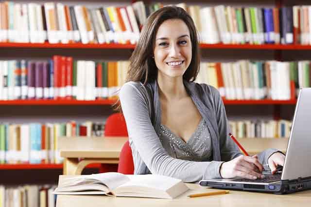 Ser filósofo exige que o profissional goste bastante de redação, pois terá que ler muitas produções