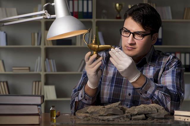 Entre as profissões para quem gosta de redação a de historiador é uma delas