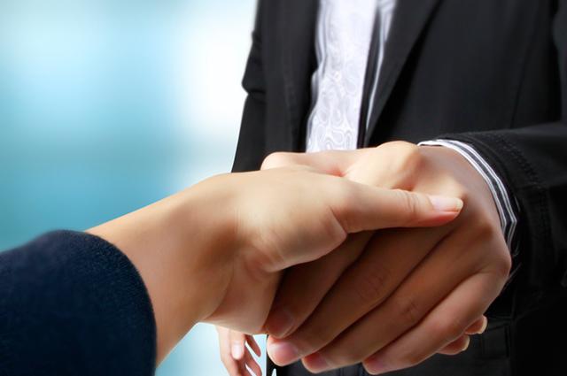 Na economia solidária a gestão tem a participação democrática direta dos cooperados