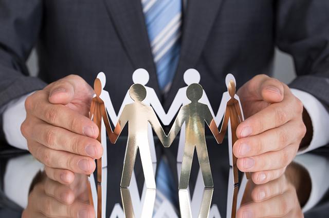 A economia solidária se baseia na administração dos negócios pelos próprios participantes
