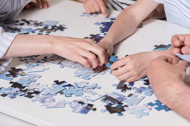Um dos maiores benefícios do quebra-cabeça é o desenvolvimento das habilidades cognitivas