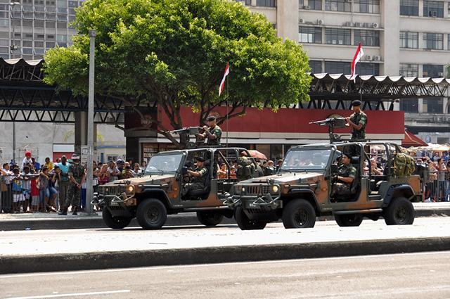 A intervenção militar pode funcionar de forma imposta pelos próprios militares