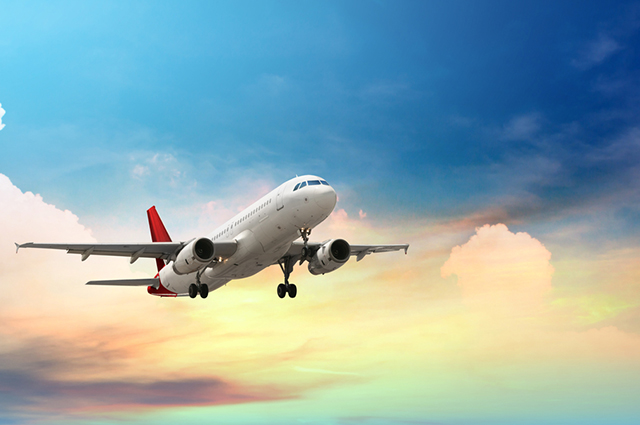 O transporte aéreo, a exemplo do avião, é um tipo de modal de transporte