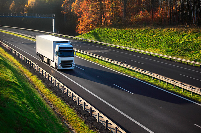 O transporte rodoviário, a exemplo do caminhão, é um tipo de modal