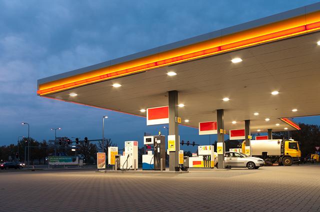 O etanol queima mais depressa mas é menos poluente do meio ambiente