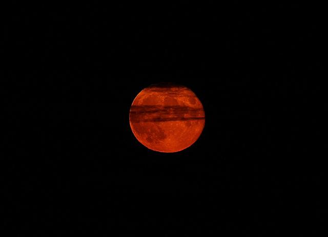 fotos da lua vermelha