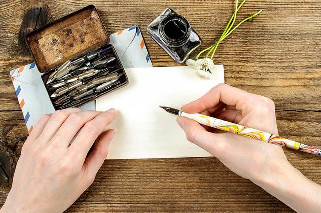 A caligrafia usa técnicas e modelos diferentes para se adequar ao senso artístico